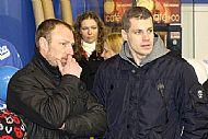 Pavel Zubíèek a Petr Hubáèek v porotì, tedy v trochu atypické roli sudích.